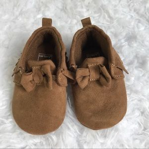 Infant Carter's Bow Brown Moccasins Sz 0-3 Month
